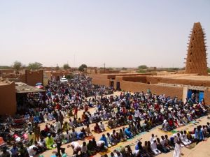 Arriving in Agadez, Niger for Friday prayers